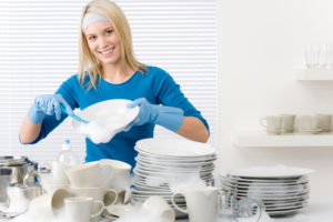 Как отмыть белую посуду